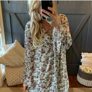 Very J Lacy Floral Tunic Dainty Print White M